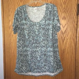 LuLaRoe 2XL Classic t-shirt. Grey, blue, and cream
